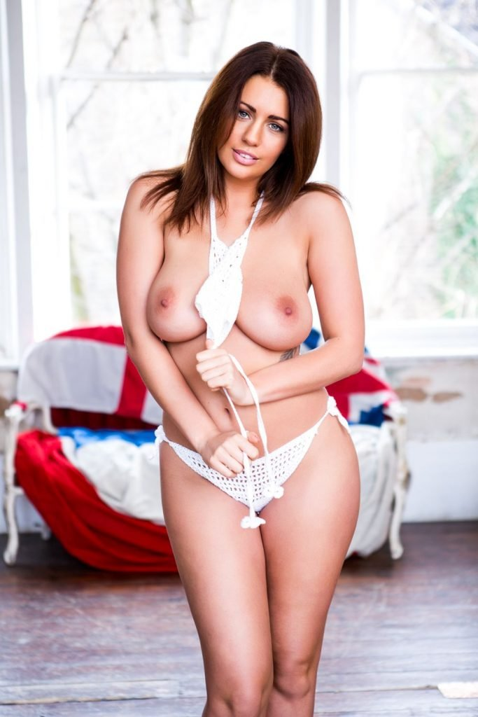 Holly Peers Sexy and Topless (4 New Photos)