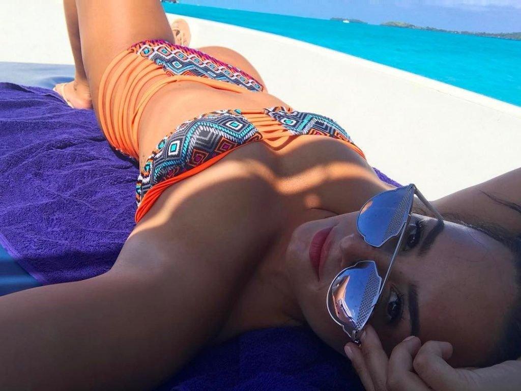Demi Lovato Sexy (6 Photos)