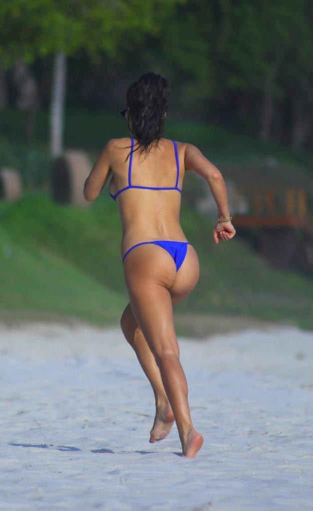 Kourtney Kardashian Sexy (5 Photos)