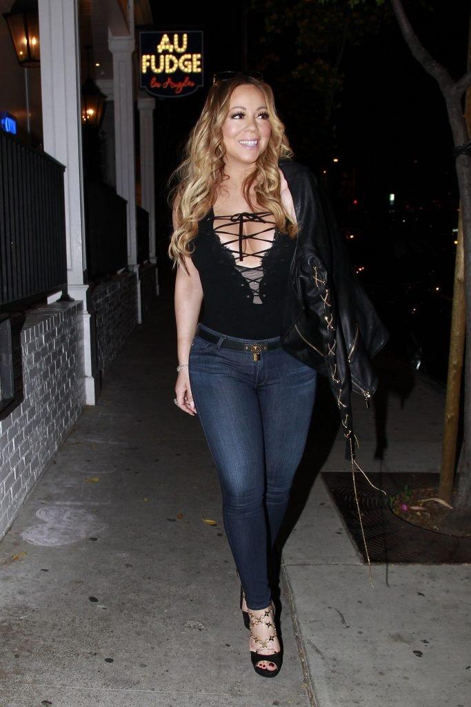 Mariah Carey Cleavage (8 Photos)