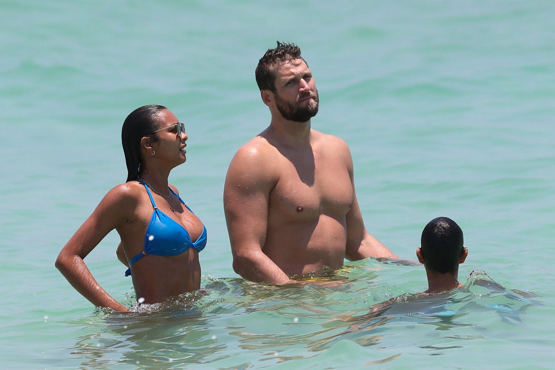 lais ribeiro and alfonso ribeiro gay nude photos 1