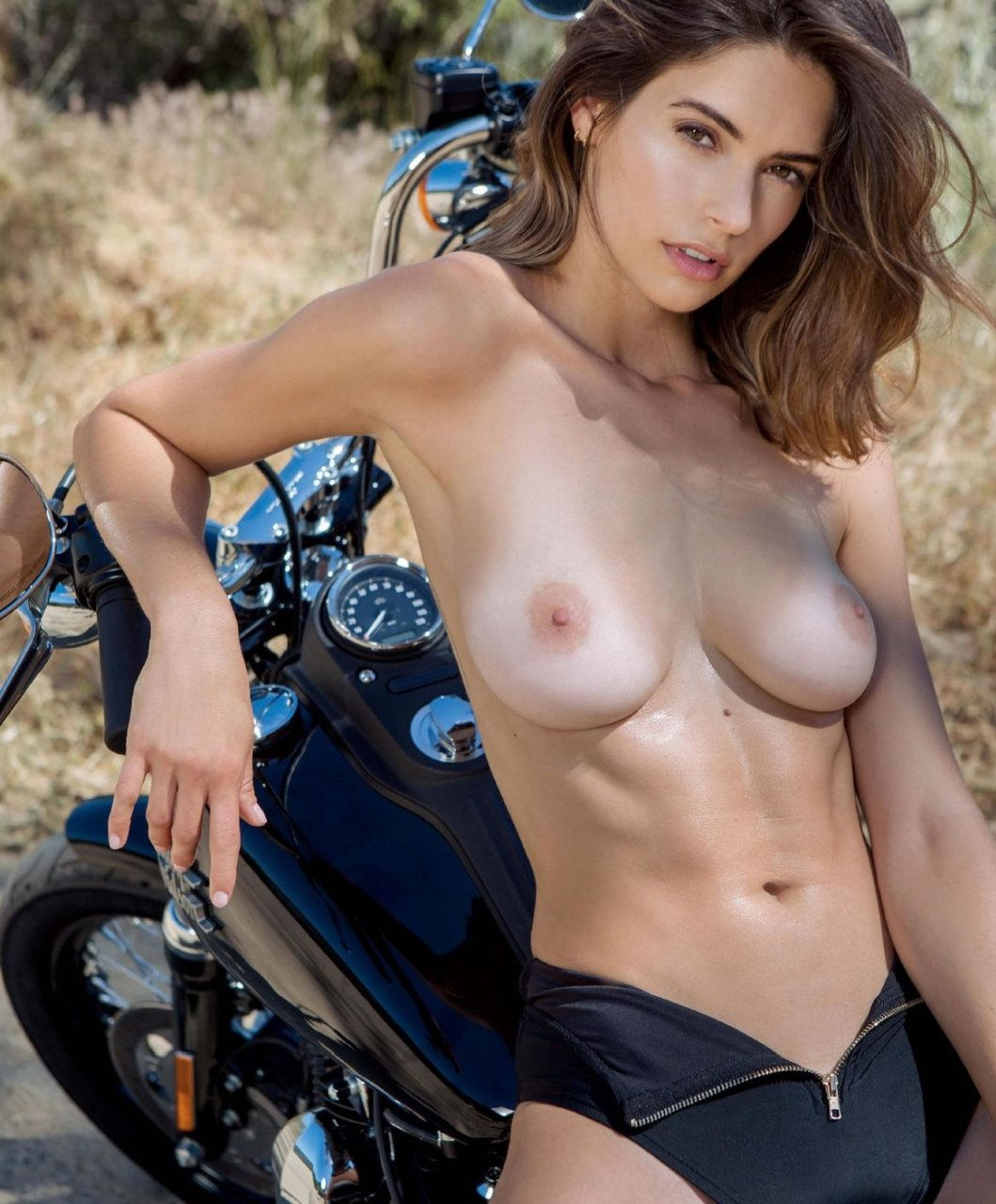 Cassi thomson topless nude (18 pictures)