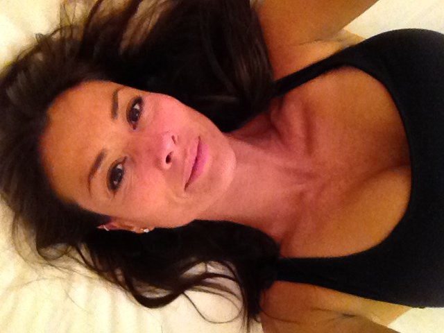 Melanie Sykes Leaked (23 Photos)