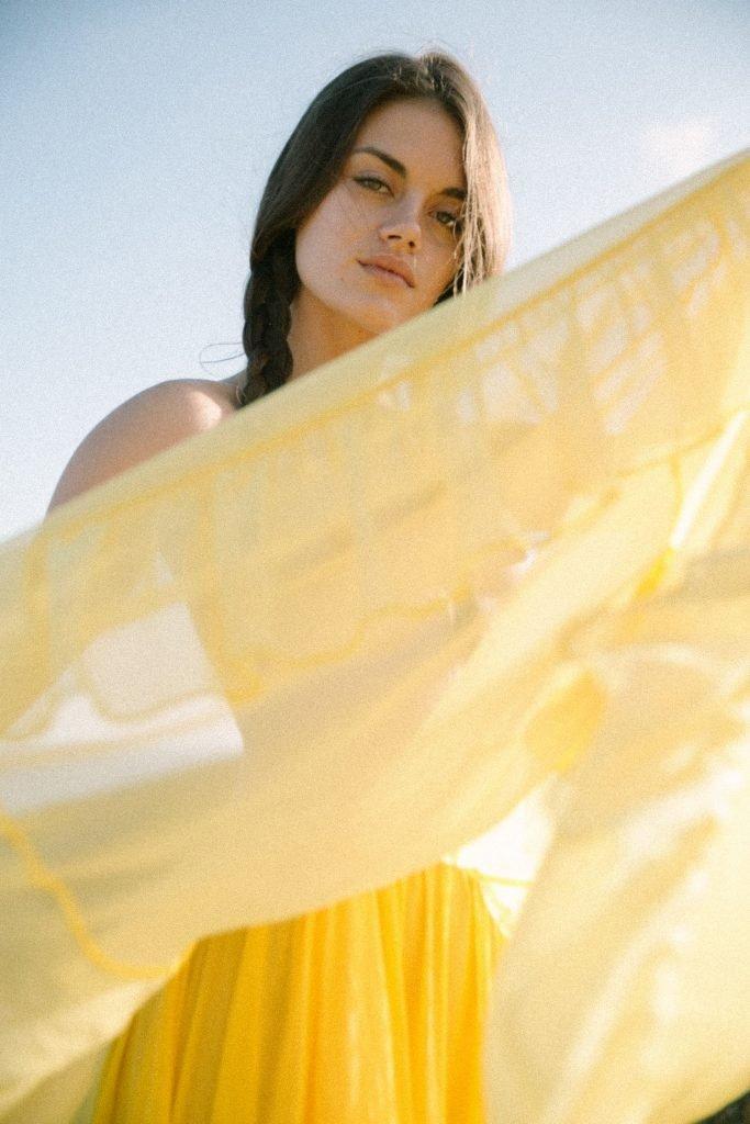 Rachael Lange Topless (12 Photos)