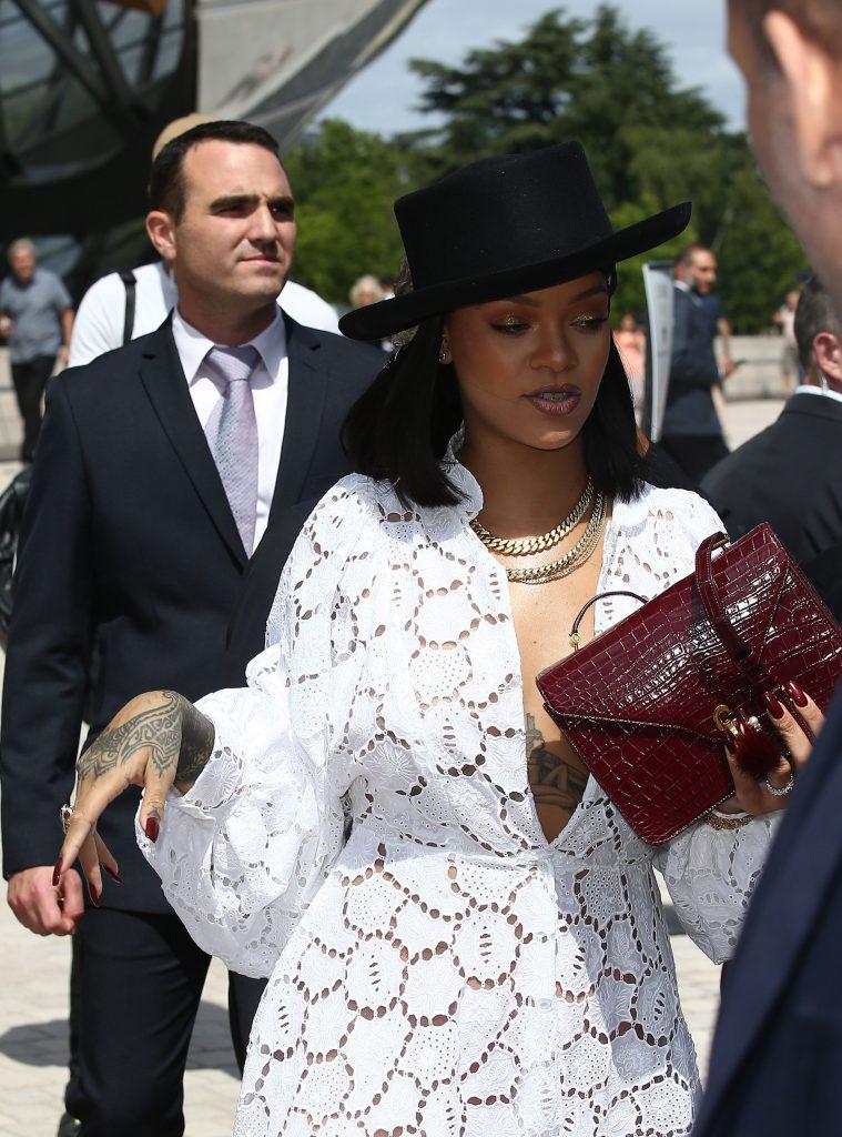 Rihanna Sexy (30 Photos)