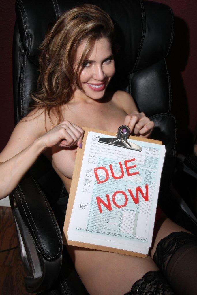 Erika Jordan Sexy & Topless (33 Photos)