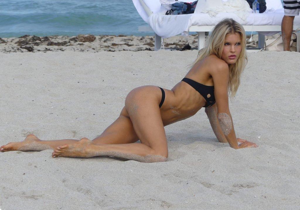 Joy Corrigan Sexy (136 Photos)