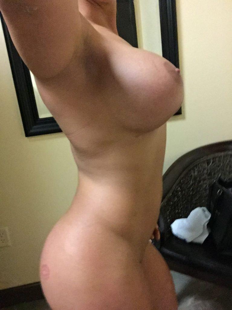 Kaitlyn (WWE) Leaked (19 New Photos)