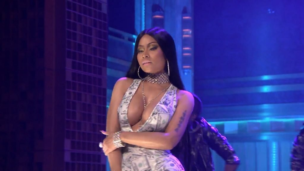 Nicki Minaj Sexy (15 Photos + Video & Gifs)