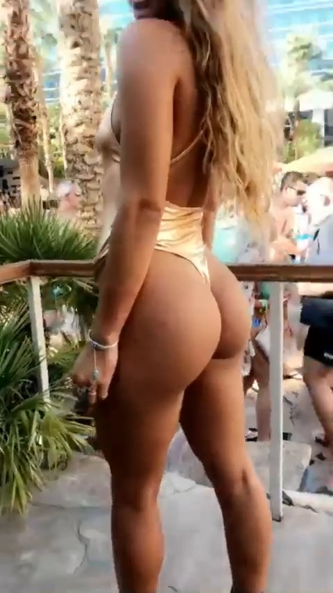 Sommer Ray Sexy (8 Photos + Video)