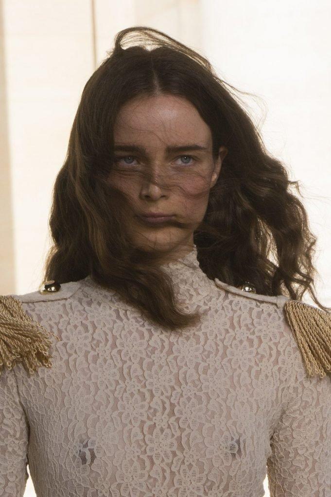 Anna de Rijk See Through (2 Photos + Video)