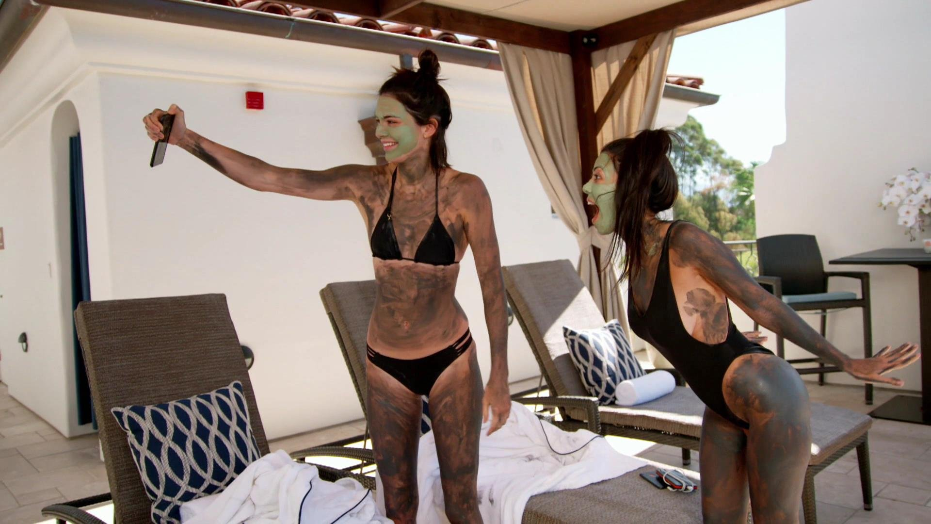 Kendall Jenner Kourtney Kardashian Sexy Keeping Up With