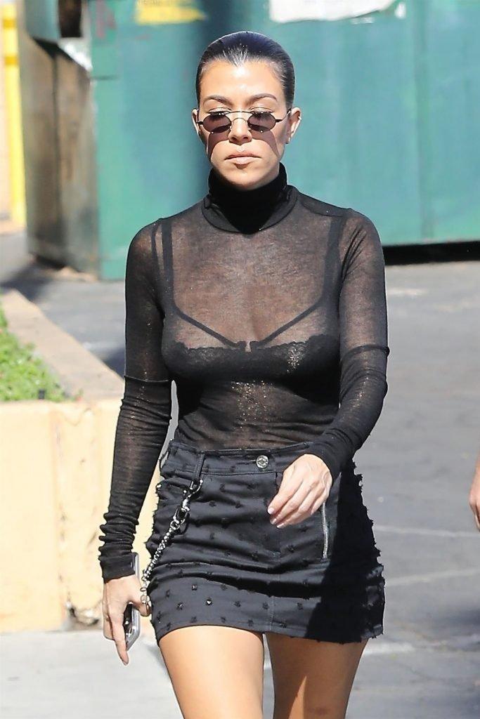 Kourtney Kardashian Sexy (17 Photos + Video)