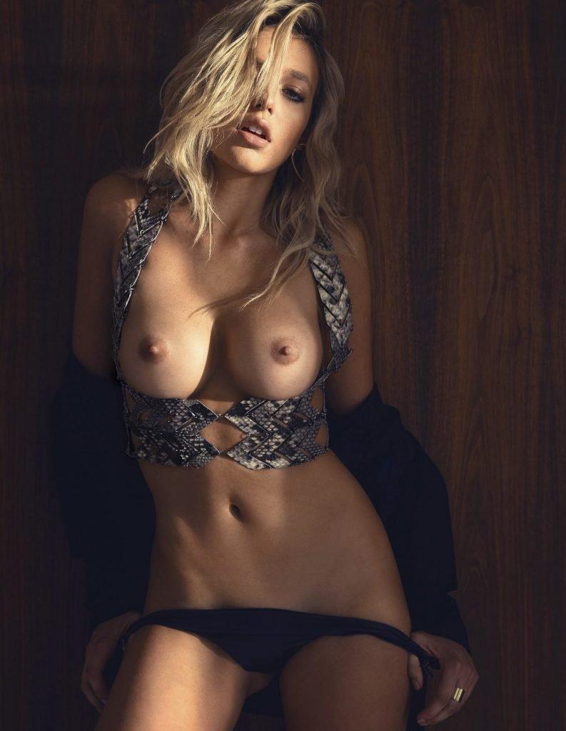 Monica Sims Naked (9 Photos)