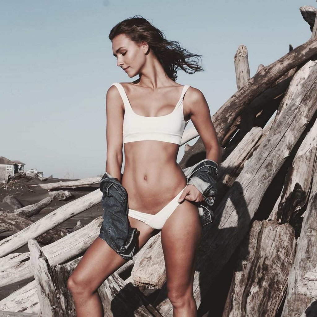 Rachel Cook Sexy & Topless (11 Photos)
