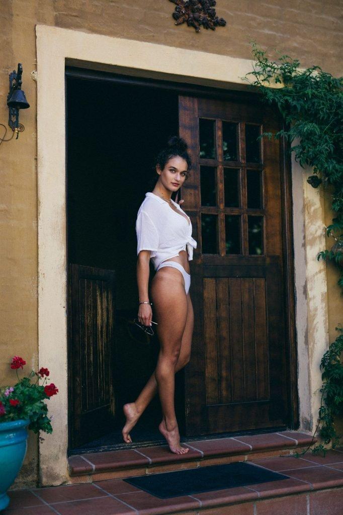 Alex McGregor Sexy & Topless (11 Photos)