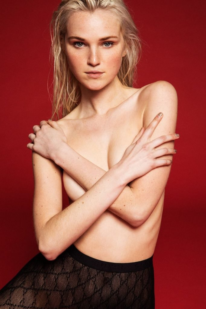 Alexa Reynen Sexy & Topless (12 Photos)