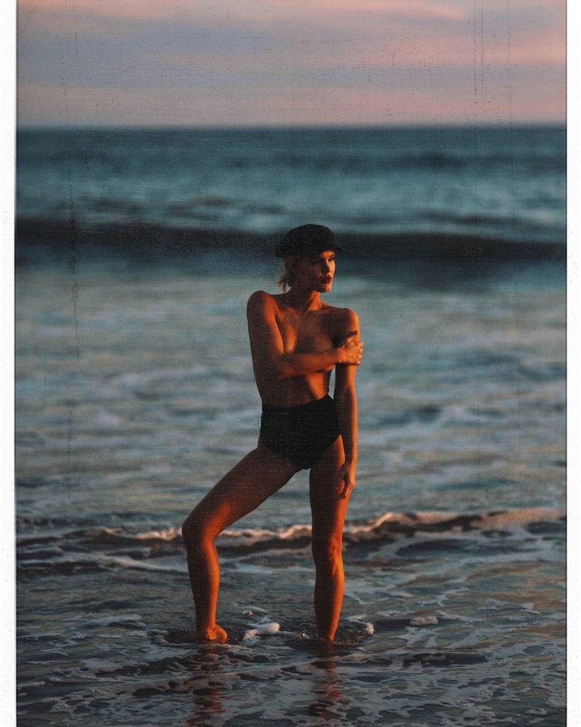 Joy Corrigan Topless (6 Photos)