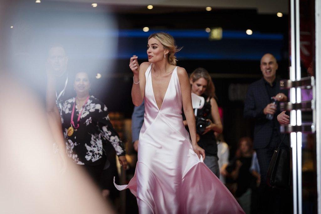 Margot Robbie Sexy (20 Photos)