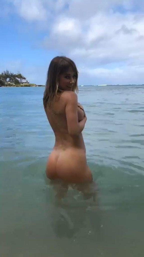 Sara Underwood Nude & Sexy (3 Pics + Gifs)