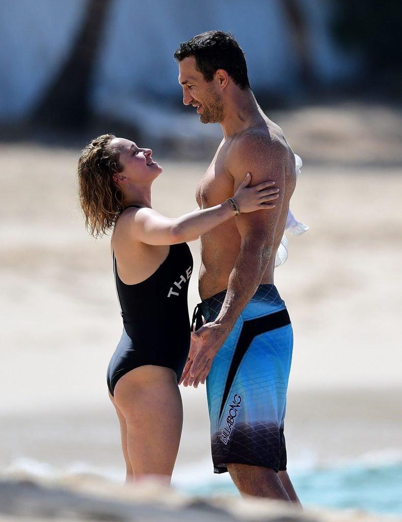 Hayden Panettiere Sexy (20 Photos)