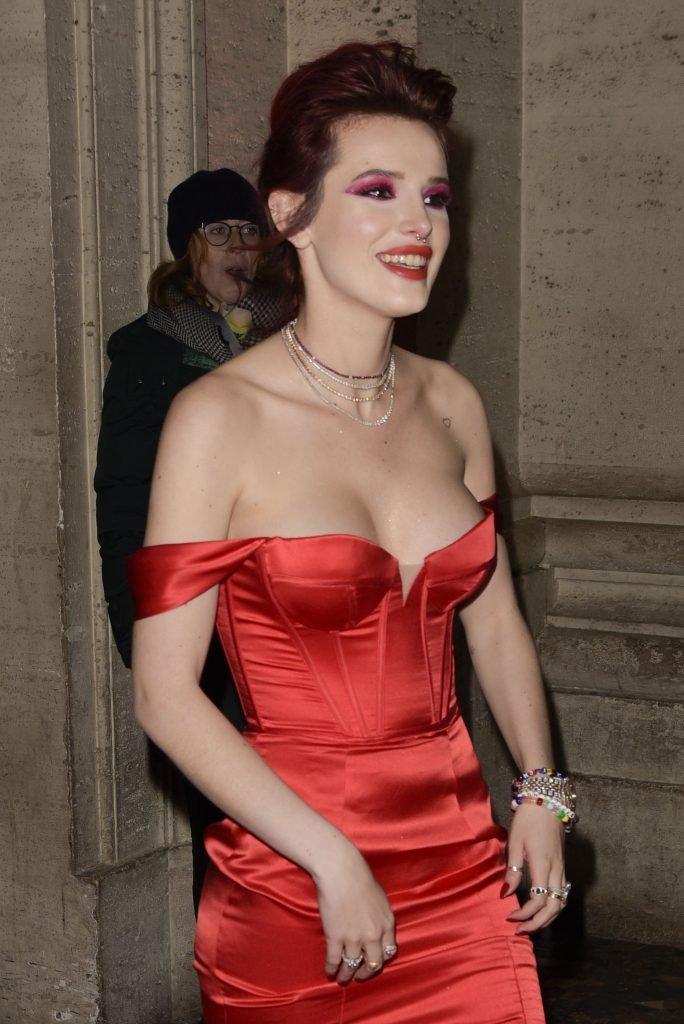 Bella Thorne Sexy (52 Photos + Gif & Video)