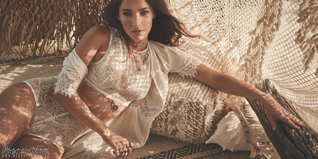 Megan Fox Sexy (15 Photos)
