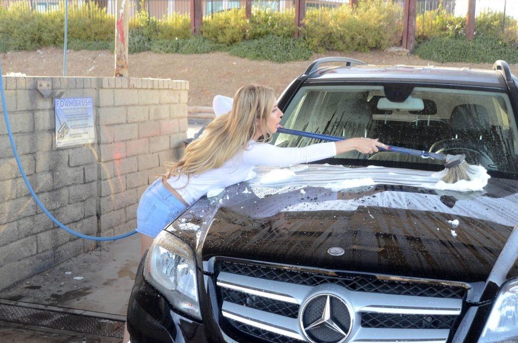 Ana Braga Gets Wet (40 Photos)