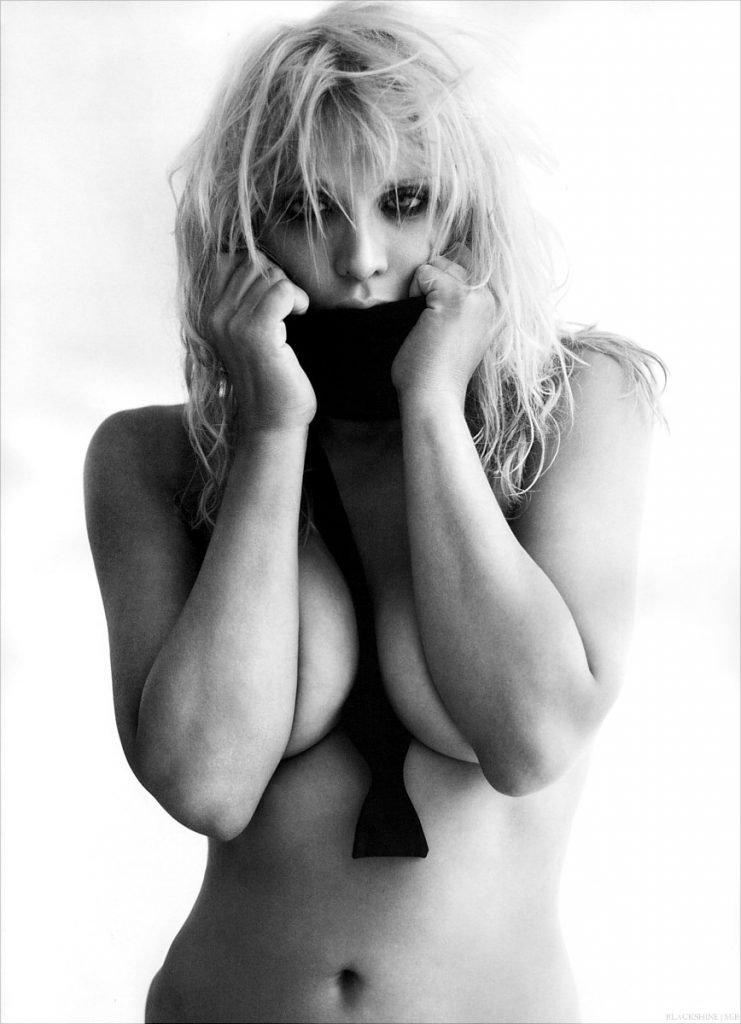 Courtney Love Nude (12 Photos)