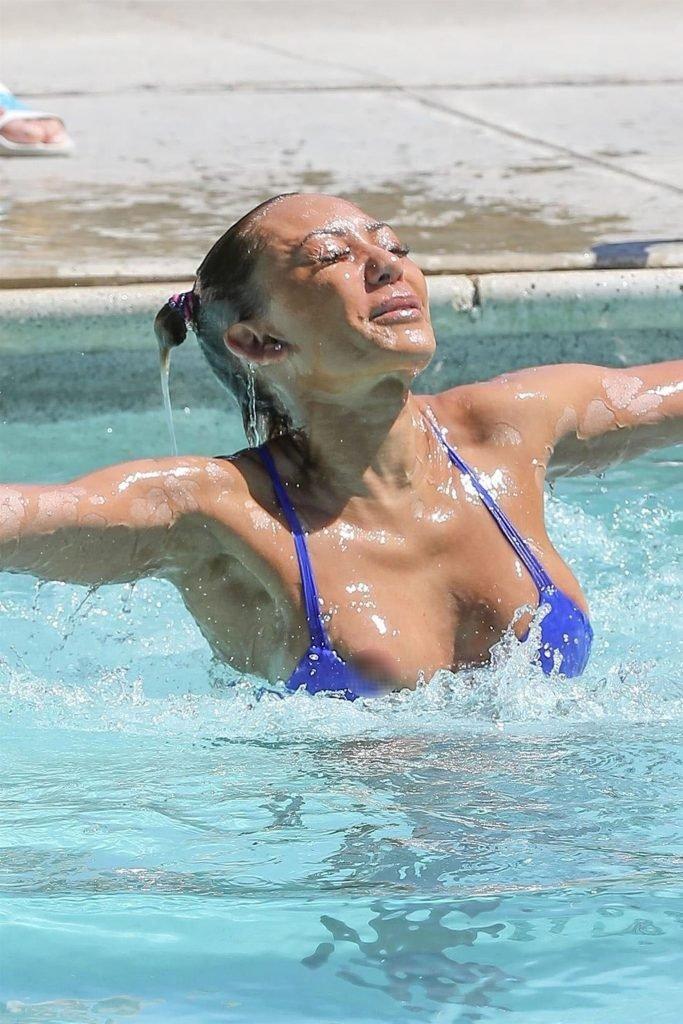 Melanie Brown Sexy (44 Photos)