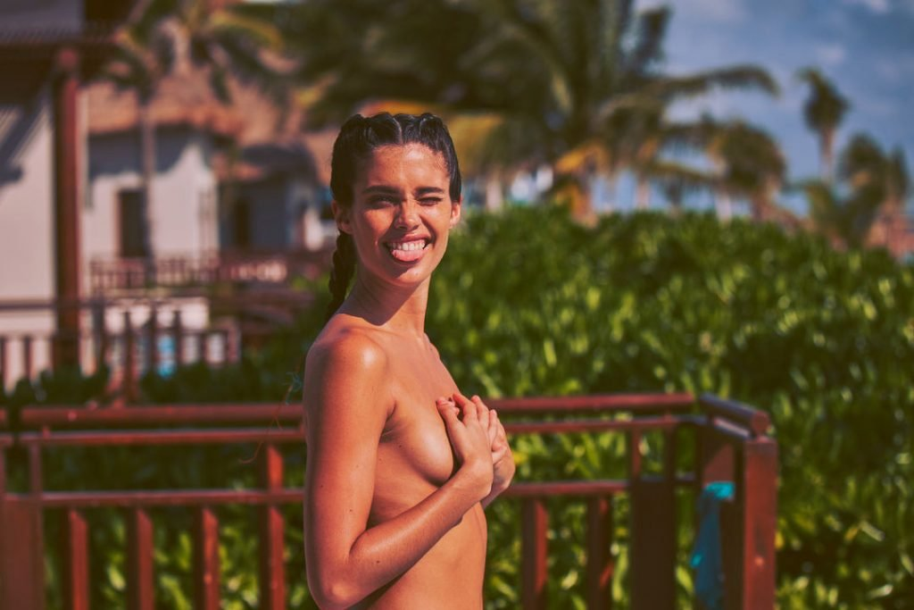 Sara Sampaio Nude & Sexy (22 Photos)