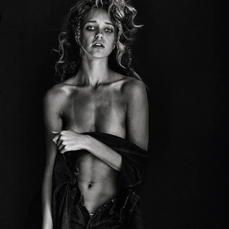 Allie Silva Nude & Sexy (50 Photos)