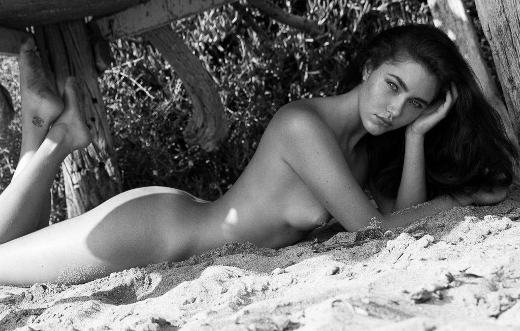 Chanel Asberg Naked (2 Photos)