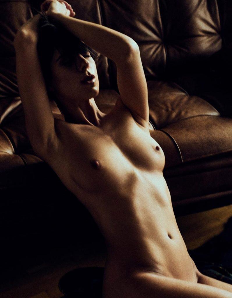 Franzi Skamet Naked (14 Photos)
