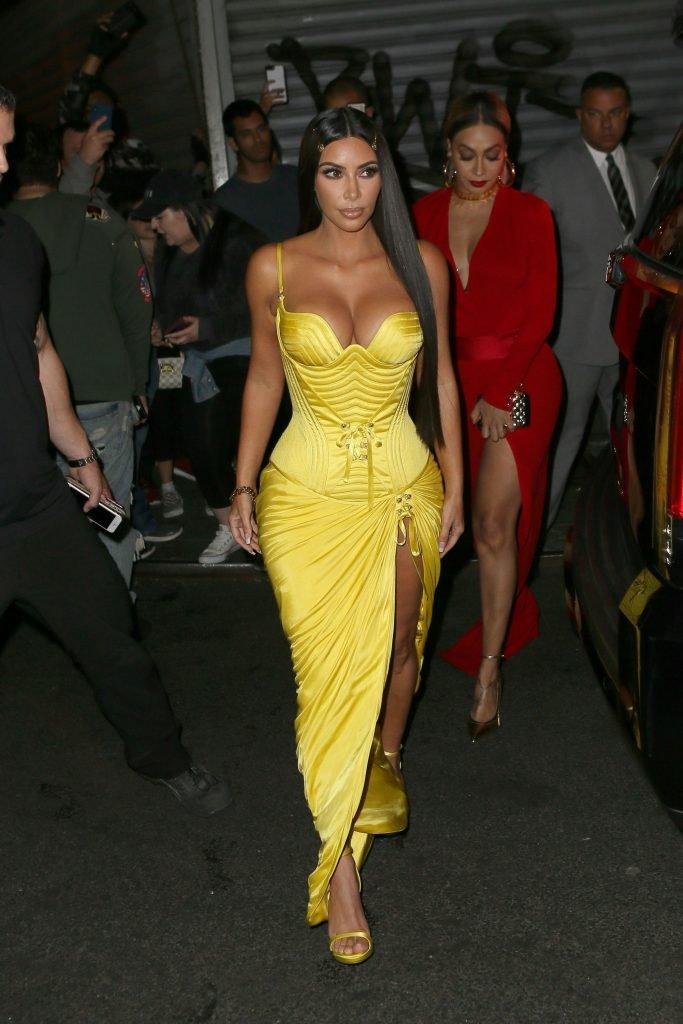 Kim Kardashian Sexy (60 Photos + GIF)