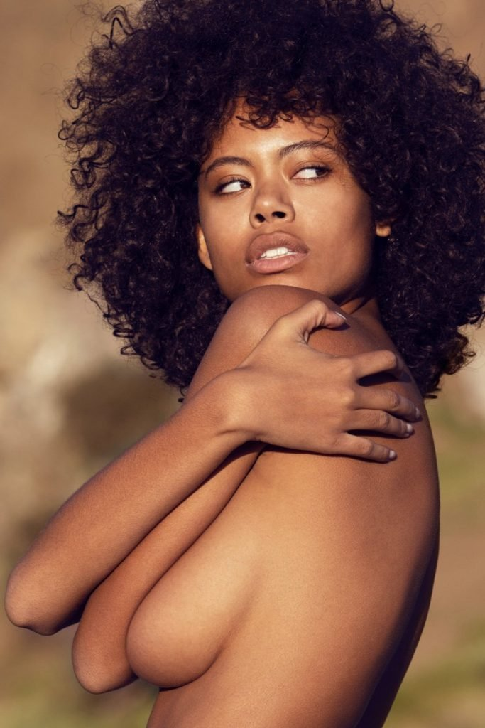 Nereyda Bird Sexy & Topless (10 Photos)