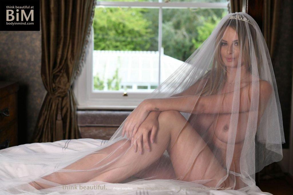 Rhian Sugden Nude & Sexy (12 Photos)