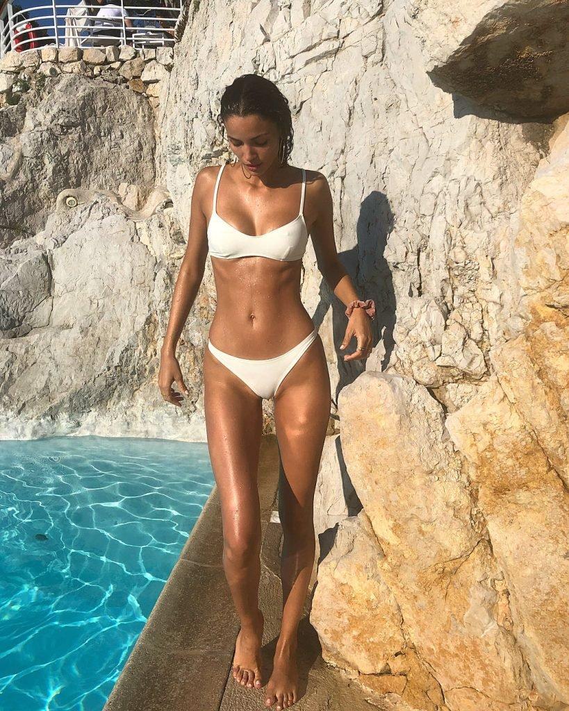 Sofia Resing Sexy (4 Photos)
