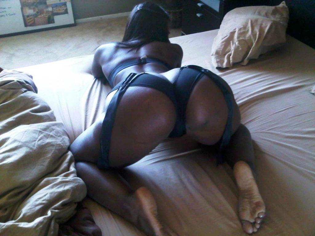 Bria Myles Nude & Sexy (35 Photos)