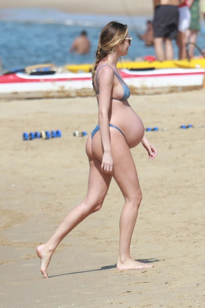 Candice Swanepoel Sexy (80 Photos)
