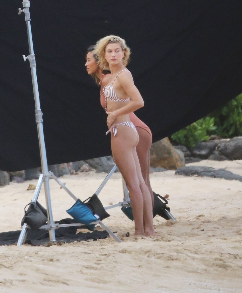 Hailey Baldwin Sexy (50 Photos)