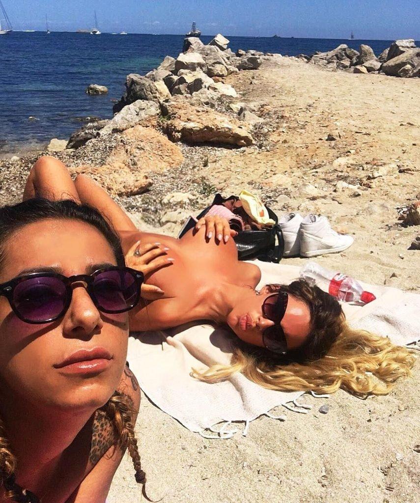 Veronica Graf Nude & Sexy (37 Photos)