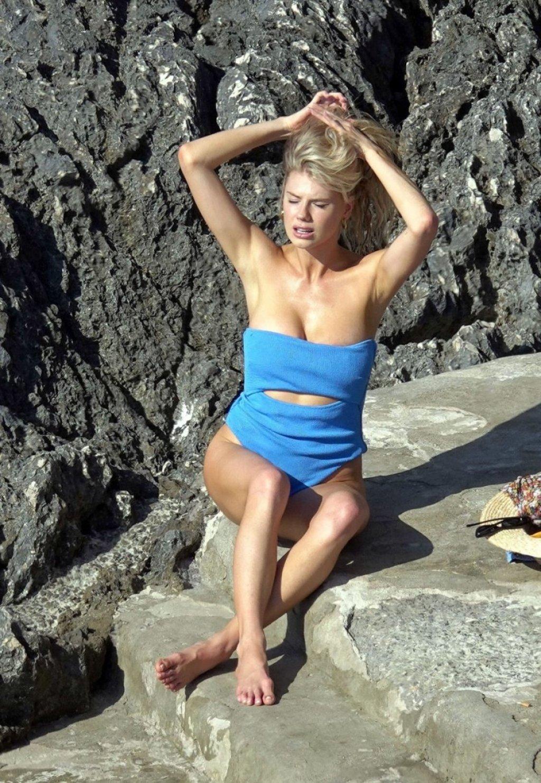 Charlotte McKinney Sexy (52 Photos)