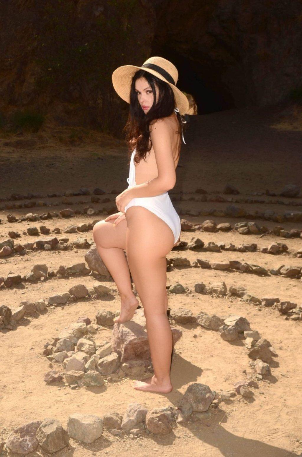 Natasha Blasick Sexy (52 Photos)