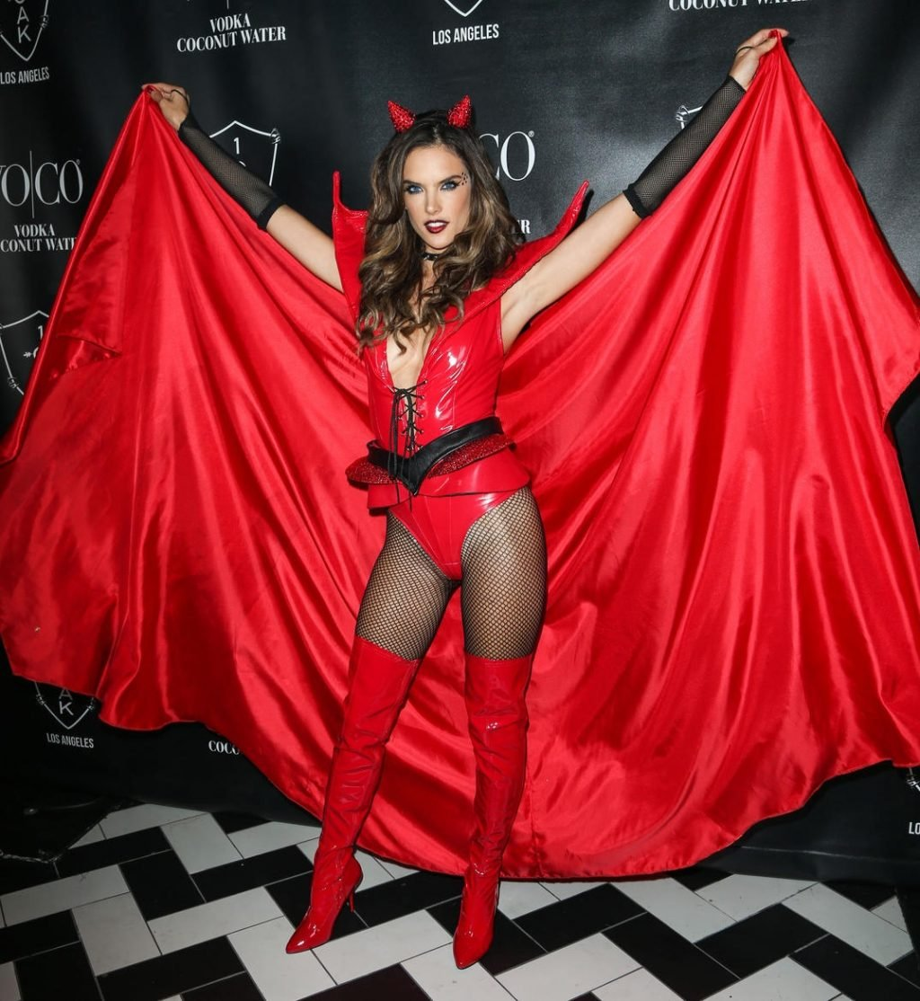 The Sexiest Celebrity Halloween Costumes