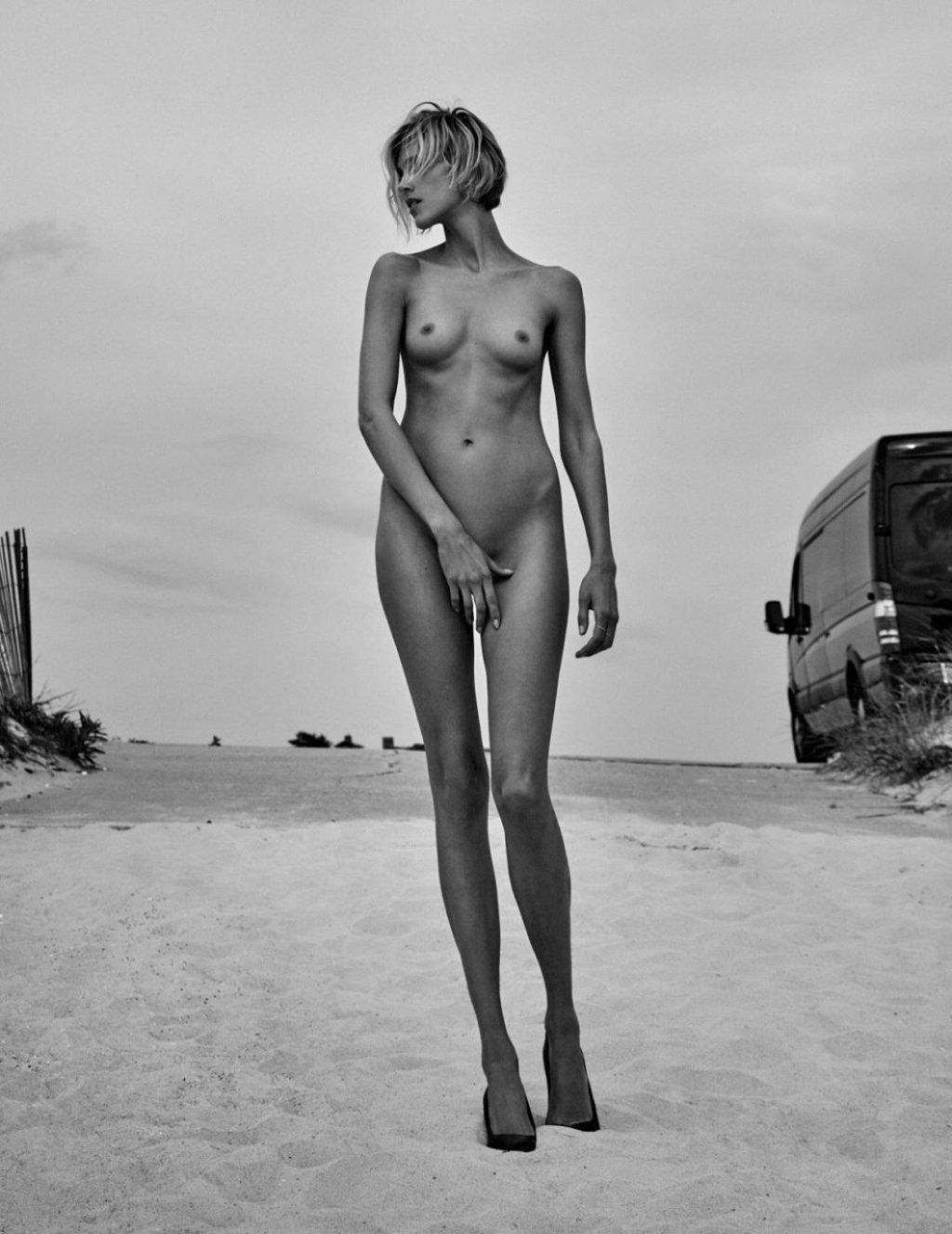 Anja Rubik Nude & Sexy (10 Photos)