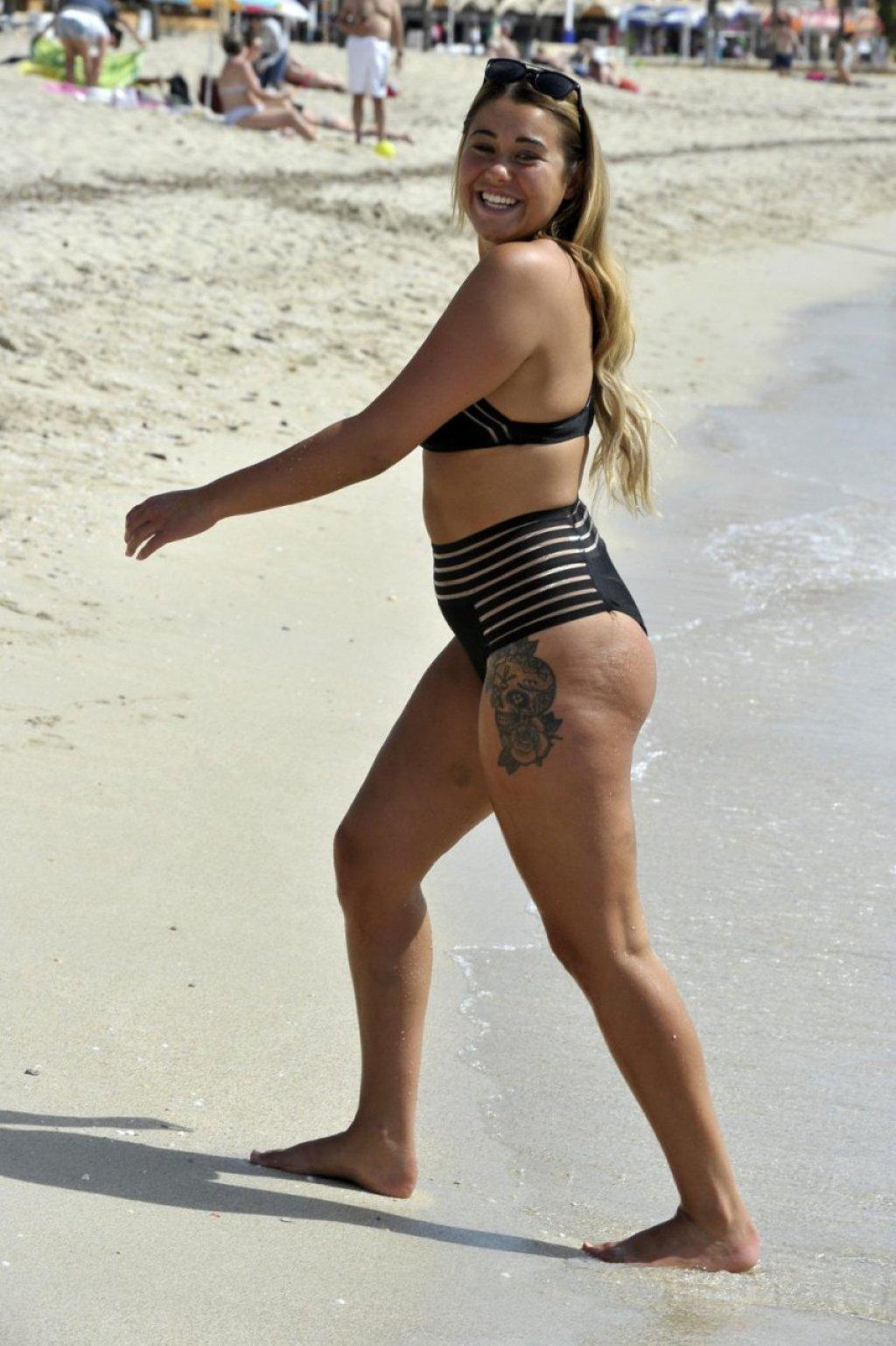 Ellie Young Sexy (24 Photos)