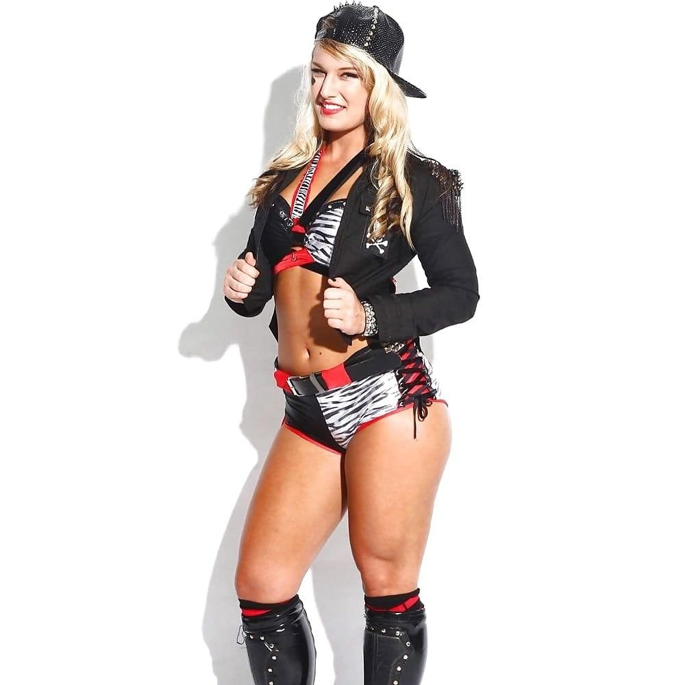 Toni Storm Nude Leaked Fappening & Sexy (134 Photos + Video)