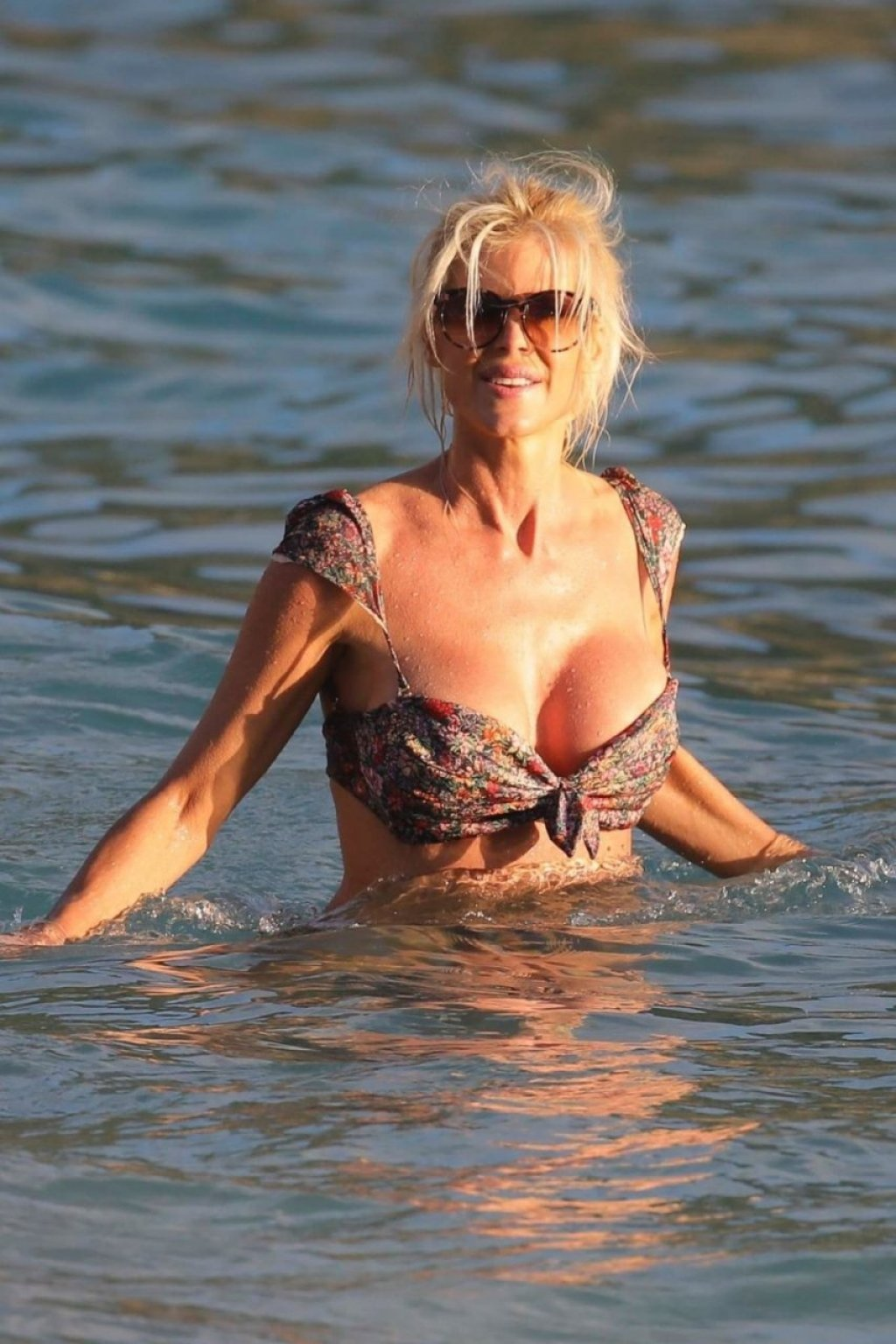 Victoria Silvstedt Sexy (68 Photos + GIF)
