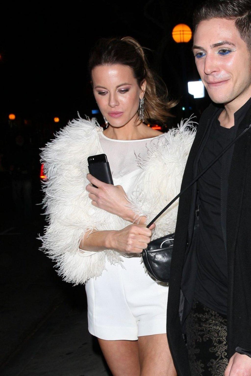 Kate Beckinsale Sexy (27 Photos)